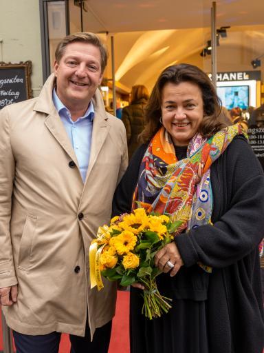 Marion Faber Oelschlägel mit Villachs Bürgermeister Günther Albel