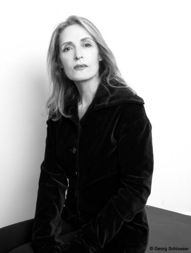 Kunst & Schönheit Portrait Christy Astuy mit Copyright