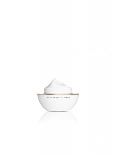 ZwyerCaviar Rejuvenating Face Cream open
