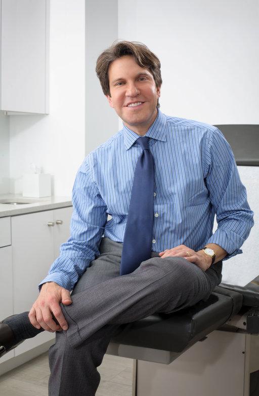 Dr  Dennis Gross Portrait Dr  Dennis Gross